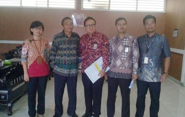 Wabup Loteng, L. Pathul Bahri, SIP bersama jajaran Kantor Pelayanan Pajak Pratama Praya