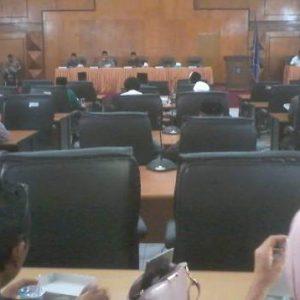 Pemerintah Sampaikan Jawaban Atas Pandangan Umum Fraksi Terhadap LPJ Penggunaan APBD 2017