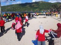 Peringati May Day, Pemda Gelar Jalan Sehat dan Bersih Pantai di Kuta