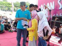 Puluhan Ribu Masyarakat Meriahkan Jalan Sehat Dalam Rangka HUT KORPRI Ke-47 Loteng
