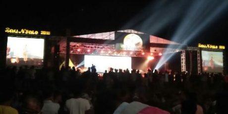 Ribuan Warga Hadiri Malam Puncak Festival Bau Nyale 2018