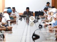 Dapat Info Akan Tempati Kios Sempit, Puluhan Pedagang Datangi Kantor DPRD
