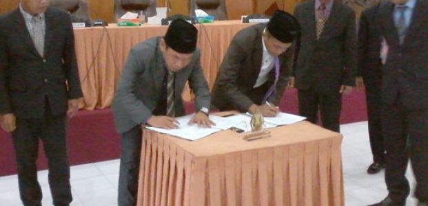 Pemkab dan DPRD Tandatangani Kesepakatan KUPPA PPAS Perubahan APBD 2017
